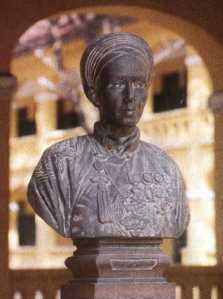petrusky-statue