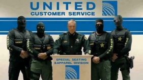 United Airlines 05