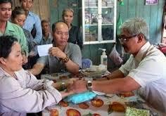 Thay nam chen 03