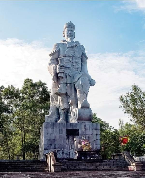 doi lu huong 06