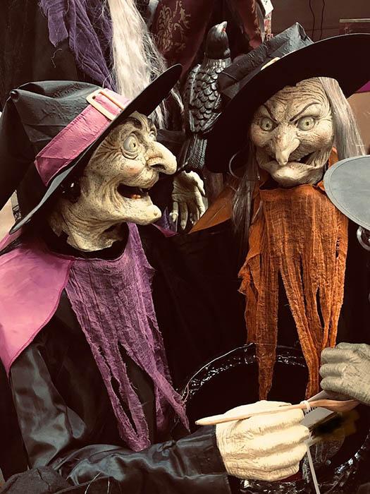 Le Ma Quy Halloween 02